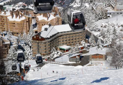 Wyciąg narciasrki i wodk na hotel ac baqueira ski resort