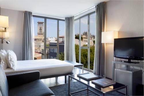Widok na miasto złózka ac hotel ciutate de palma by marriott