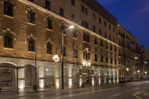 Hotel pośród kamieniczeek AC Palacio de santa paula autograph collection