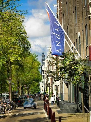 Główna ulica przed andaz amsterdam prinsengracht a concept by hyatt