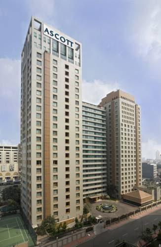 Wysoki budynek z cudownym widokiem z hotelu Ascott Jakarta
