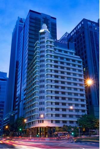 Hotel pomiędzy wieżowcami ascott raffles place w singapore