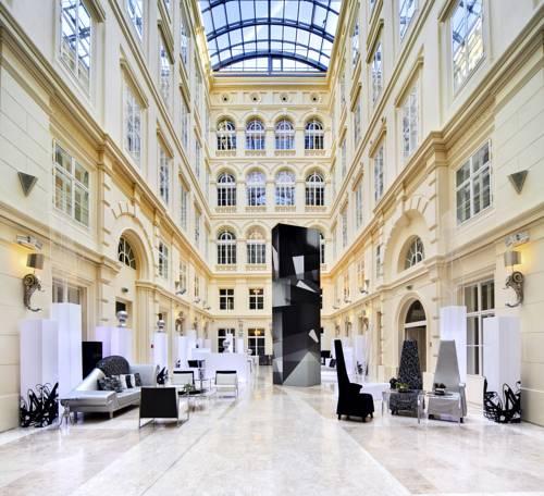 Wnętrze oraz poczekalnia w Hotelu Barceló Brno Palace, Czechy