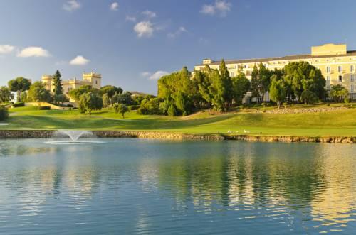 Fontanna ja jeziorze w barcelo montecastillo golf