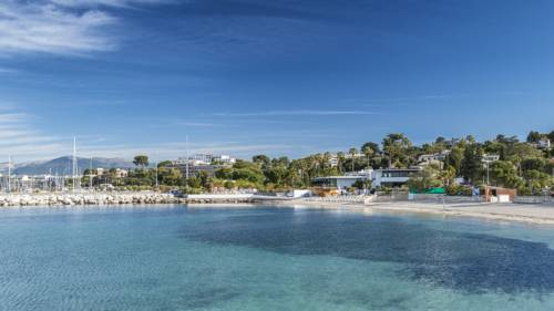 Widok na hotel cap d antibes beach hotel