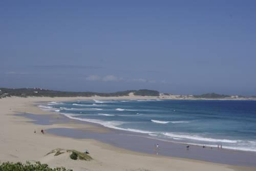 Widok na plaże w okolicy cape st francis beachbreak
