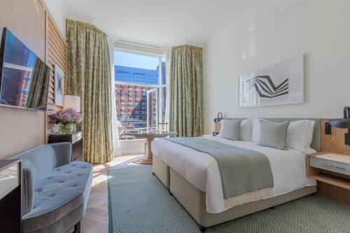 Pokój dwuosoby w hotelu Conrad w Dublinie