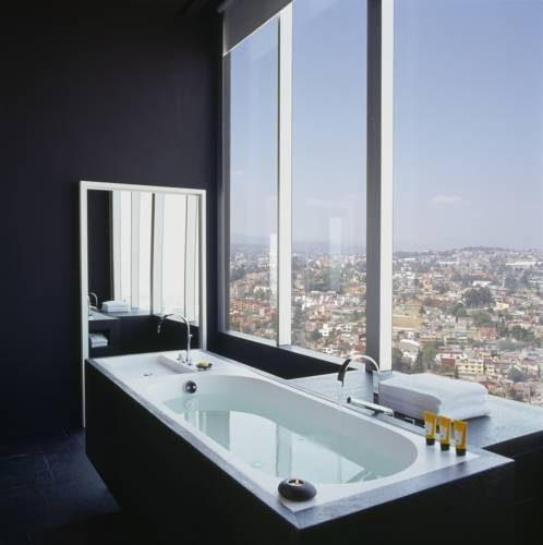 Widok z hotelowej łazienki na Wenezuele
