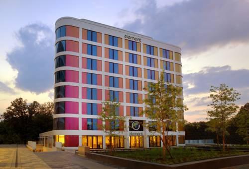 Ciekawy projek hotelu element frankfurt airport