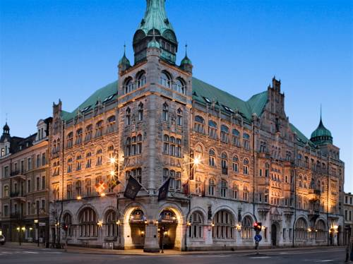 Śliczny budynek first hotel christian iv