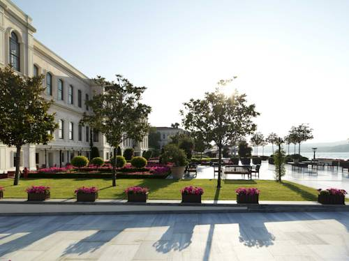 Malownicze widoki przed hotelem w Four season w Istambule