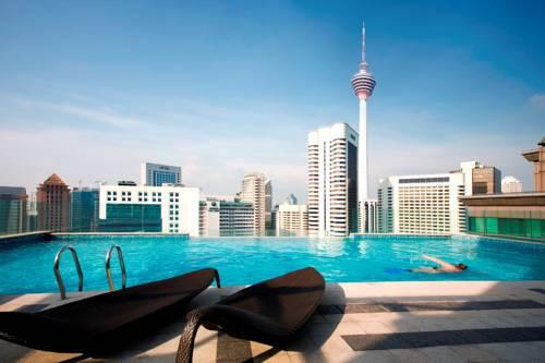 Basen na dachu hotelu Fraser Place Kuala Lumpur, Malezja