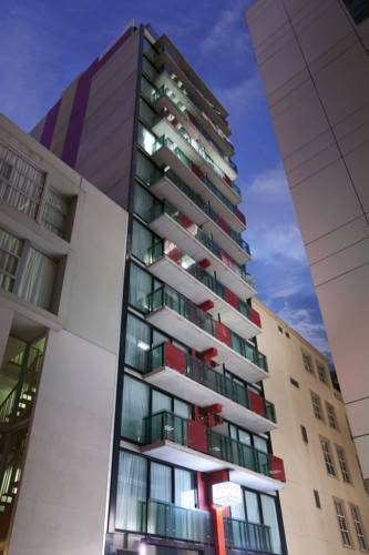 Hotel Fraser Place Melbourne i jego przeszkole balkony, Australia