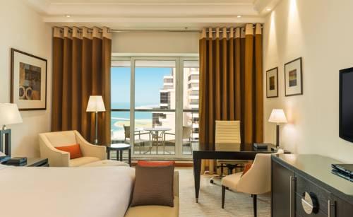 Niesamowity hotel z cudnym widokiem na wybrzeże, Hotel Grosvenor House w Dubaju