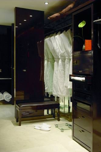 Garderoba w Hesperia Tower hotel