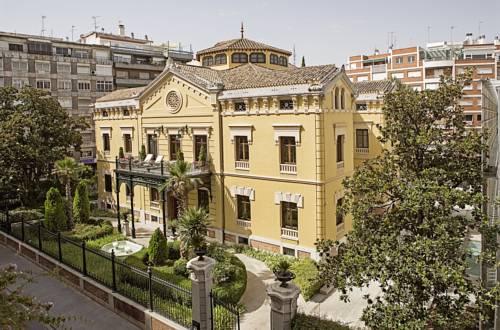 Budynek hotelu hospes palacio de los patos