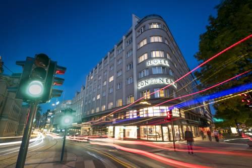 Ulica przed hotel continental