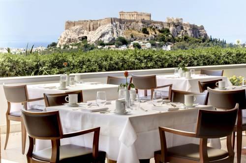 restauracja hotelowa z widokiem na panteon, Ateny