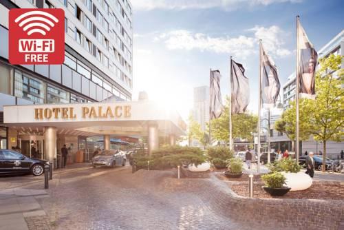 Wejście główne do Hotelu Palace w Berlinie