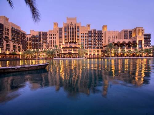 Widok na apartamenty hotelu Jumeirah Mina A'Salam w Dubaju