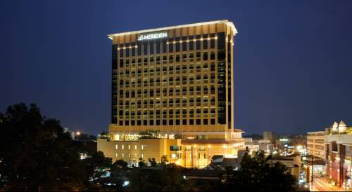 Hotel Le Meridien w centrum Chiang Mai