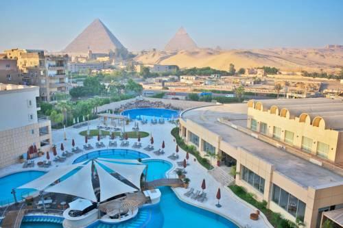 Spacjalny hotel spa z widokiem na piramidy