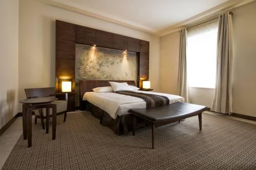 Łóżko dwuosobowe w mamaison hotel le regina w warszawie