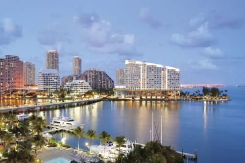Widok na hotel Mandarin Oriental, Miami na wysepce, Stany Zjednoczone