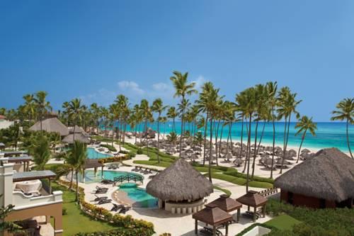 Kompleks wypoczynkowy Now Larimar Punta Cana z charakterystycznymi domkami na Dominikanie