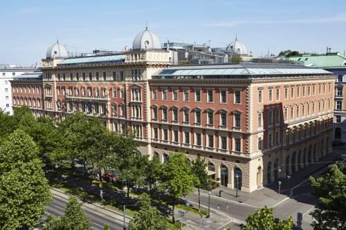 Ogromny budynek hotelu palais hansen kempinski vienna