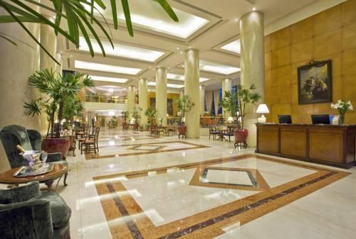 Hol oraz recepcja w Park Tower a Luxury Collection hotel