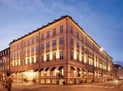 wspaniały budynek Hotelu Phoenix Copenhagen, Dania