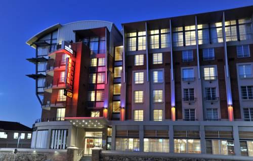 Budynek hotelu Protea Hotel Victoria Junction Waterfront