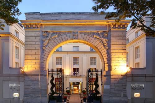 Starożytne wejście do hotelu