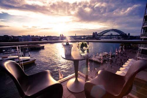 Romantyczne miejsce na tarasie w Pullman Quay Grand Sydney Harbour, Australia