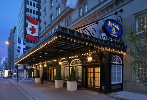 Stylowe wejście do Ritz Carlton Montreal