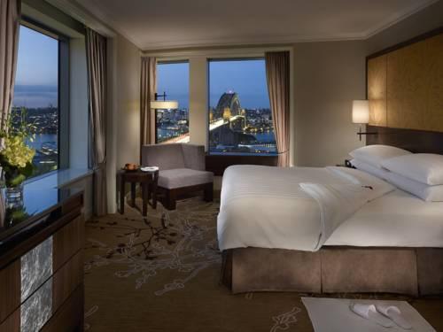 Pokój dla dwojga z przepięknym widokiem z hotelu Shangri-La Hotel, Sydney, Australia