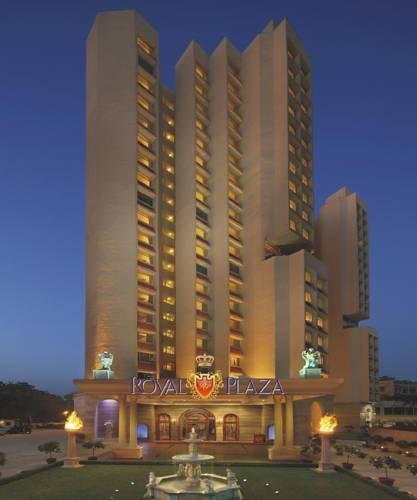Wysoki budynek hotelu shangri las eros hotel new delhi