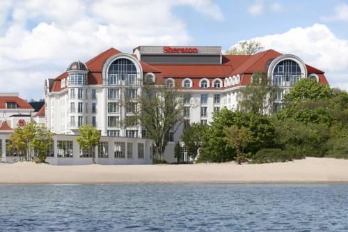 Widok na Sheraton Sopot Hotel z morza, Polska