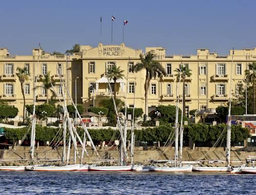 Widok z morza na hotel Winter Palace