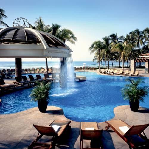 Basen w Hotel The Fairmont Pierre Marques, Meksyk