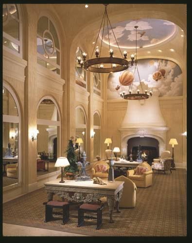 Bajkowe wnętrze w hotelu The Marker San Francisco z freskami, Stany Zjednoczone