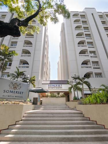 Wejście do hotelu Somerset