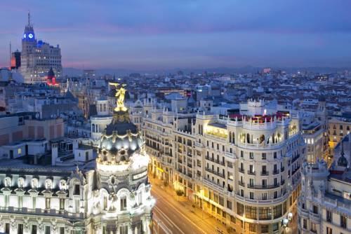 Bardzo znany bidynek hotelu The Principal Madrid Hotel w Madrycie, Hiszpania