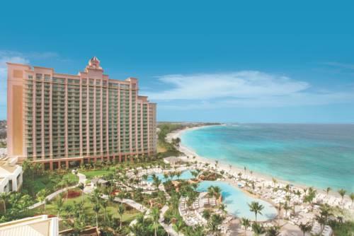 Niesamowity hotel The Reef at Atlantis, Autograph Collection, przedstawia wyspę na Bahamah