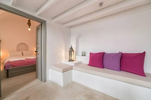 Apartament we stonowanymi kolorowymi elementami w resorcie Vedema