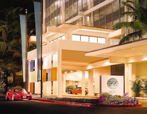 Główne wejście doWaikiki Parc Hotel i sportowe samochody, Stany Zjednoczone