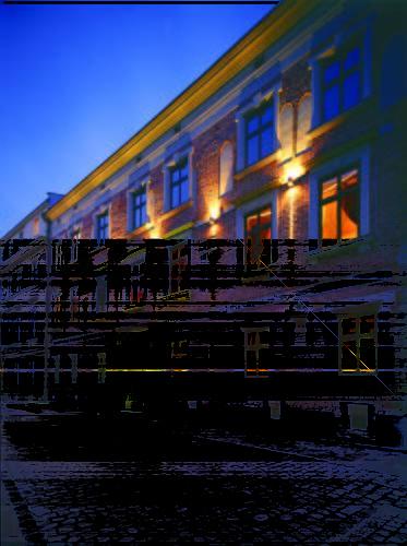 Oświetlony budynek hotel copernicus nocą