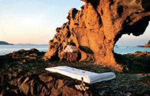masaż na skałach na madagaskarze