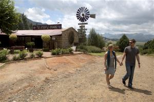 para turystów opuszczających skansen w RPA
